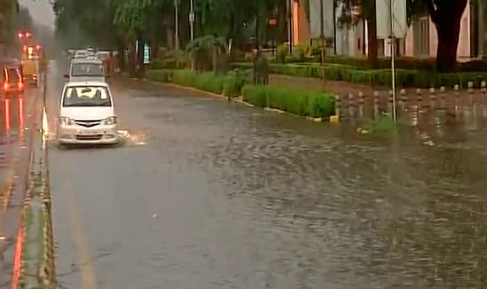 Heavy Rainfall in Delhi Causes Water Logging, Traffic Congestion; Cab Rides Get Expensive