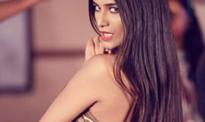 Kerala Floods: Poonam Pandey Wants to Help Flood Victims in The Best Way Possible, Know Her Plans