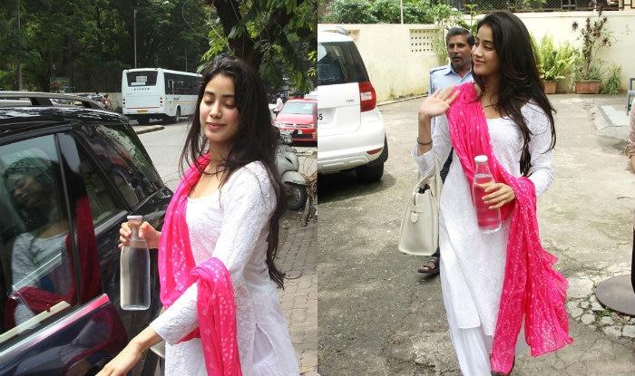 de47e4ffe6 Jhanvi Kapoor Teaches How To Carry Bandhani With Grace (View Pics ...