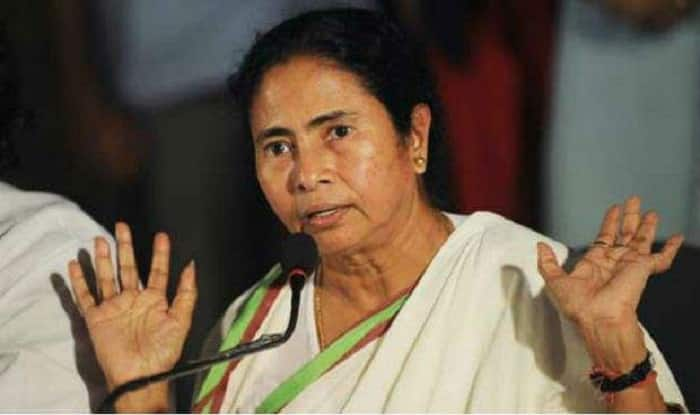 EC Rejects Mamata's Allegations, Says Move to Transfer Kolkata Top Cop Based on Cumulative Feedback