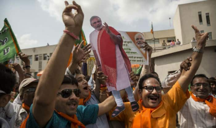 bjp-wins-in-gujarat-and-himachal-pradesh-assembly-election-2017-according-to-axis-my-india-survey | सर्वे: मोदी का जलवा कायम, गुजरात-हिमाचल में खिलेगा कमल