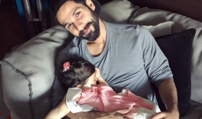 Image result for shahid kapoor sleeping