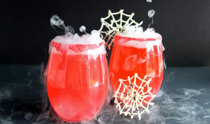 Halloween 2017 Cocktail Recipe: Try Making This Recipe of Murder in The Garden Cocktail on Halloween This Year