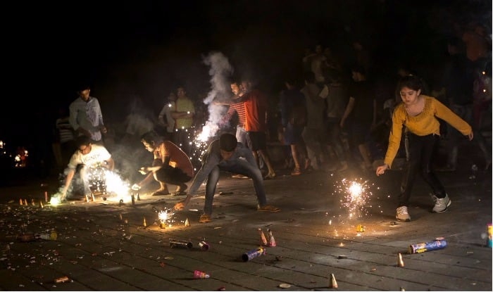 Pollution-Free Diwali: Will ask CM Devendra Fadnavis to Ban Firecrackers in Maharashtra Too, Says Environment Minister