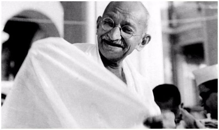 mahatma gandhi jayanti 2017 top 5 movements for independence by the father of the nation | गांधी जयंती 2017ः बापू के इन 5 आंदोलन ने हिला दी थी अंग्रेजों की जड़ें