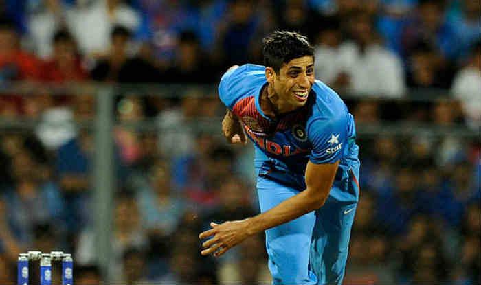 Ashish Nehra set to retire from international cricket in November, 5 interesting facts about him । अगले महीने रिटायर हो रहे हैं आशीष नेहरा, उनसे जुड़ी ये 5 बातें आप नहीं जानते होंगे!