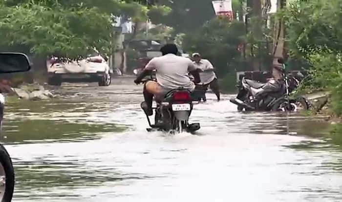 Chennai Rains: Heavy Downpour Cripples Normal Life, Schools to Remain Closed on Saturday