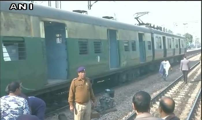 New delhi to gzb local train time table