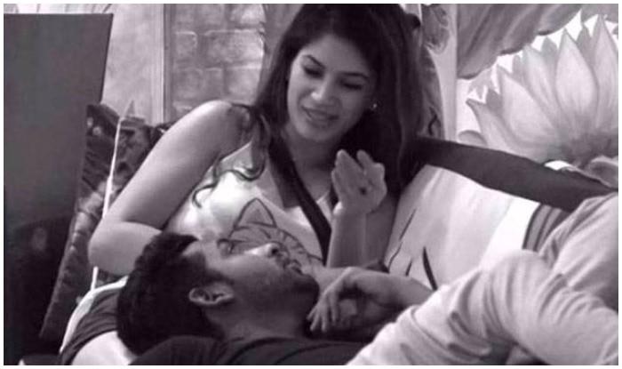 Bigg Boss 11: Puneesh Sharma And Bandgi Kalra Get Intimate At Night On Salman Khan's Show