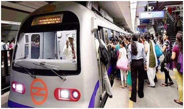 Delhi Metro Blue Line: Services in Noida, Vaishali, Rajiv Chowk Badly Hit; Commuters Stranded