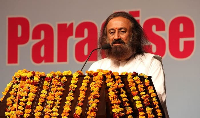 Shiv Sena Attacks Sri Sri Ravi Shankar, Asks Him Not to Interfere in Ayodhya Issue