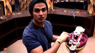 Bigg Boss 11 December 28 2017 LIVE Update: Priyank Sharma Apologizes To His Mother For Disrespecting Women On The Show
