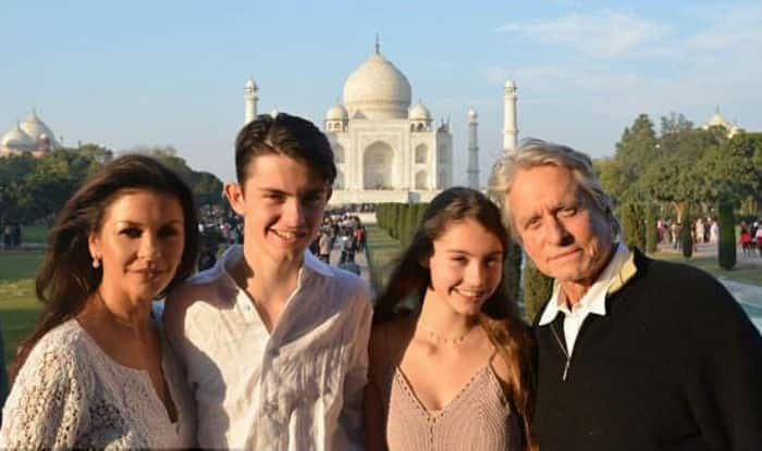 Michael Douglas And Catherine Zeta Jones Are in India Visiting The Taj Mahal (Pictures)