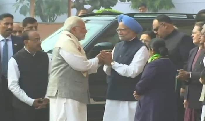 Prime Minister Narendra Modi Meets Former PM Manmohan Singh Outside Parliament Amid Row Over 'Secret' Meeting With Pakistani Envoy