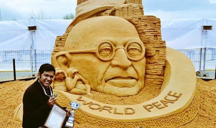 Puri: Renowned Sand Artist Sudarshan Pattnaik Attacked at Konark Festival, Admitted to Hospital