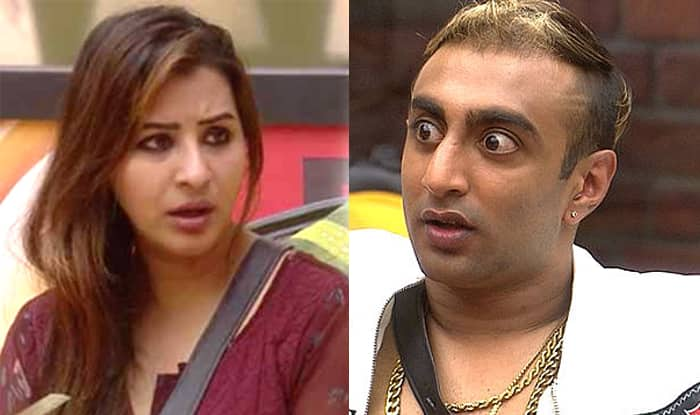 Bigg Boss 11: Akash Dadlani Kisses Shilpa Shinde Without Her Permission, Actress Shocked – Watch Video