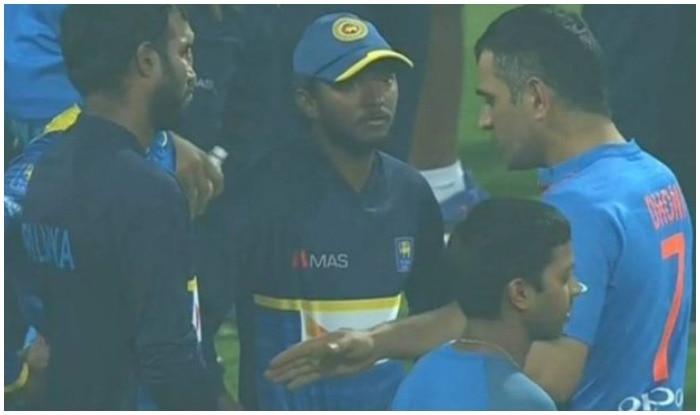ms dhoni motivated sri lanka cricketers | मैच के बाद जैंटलमेन अवतार में दिखे धोनी, श्रीलंका के प्लेयर्स को सिखाईं क्रिकेट की बारीकियां