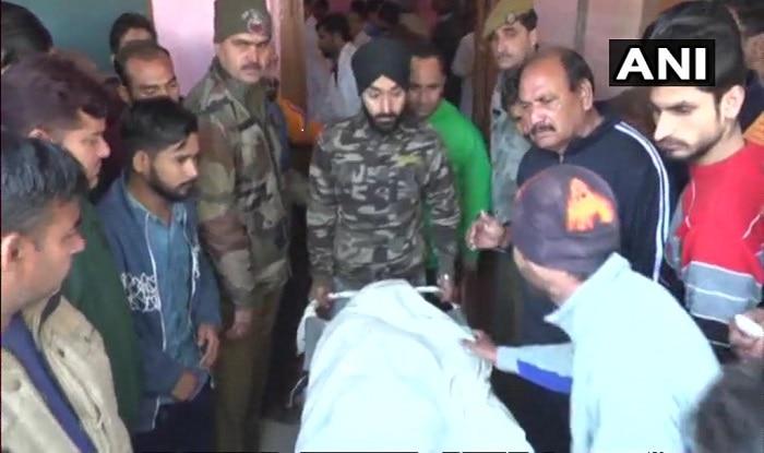 J&K: Pakistan Violates Ceasefire in RS Pura, Akhnoor Sectors; 2 Civilian Killed, 1 BSF Jawan Injured | पाकिस्तान ने आरएस पुरा और अखनूर सेक्टर में तोड़ा सीजफायर, दो की मौत, BSF जवान शहीद