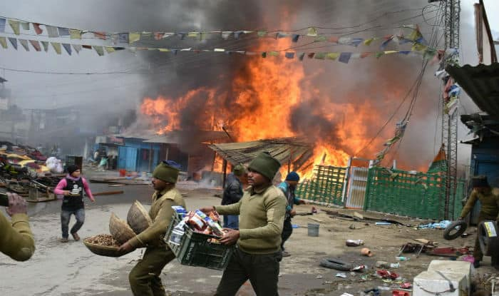 Arunachal Pradesh: Major Fire Guts 30 Houses, Shops in Dirang; Over 100 Civilians Rescued by ITBP