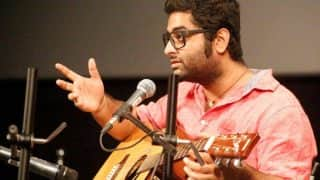 'Somebody F***ing Fix This Mic!' Arijit Singh Bursts Out Angrily At A Concert, Gets Trolled On Twitter