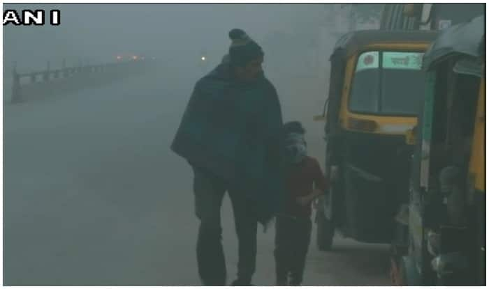 Fog, Cold Wave Disrupt Normal Life in North India; Train Service Disupted in Delhi, 7 Killed in Accident in Haryana