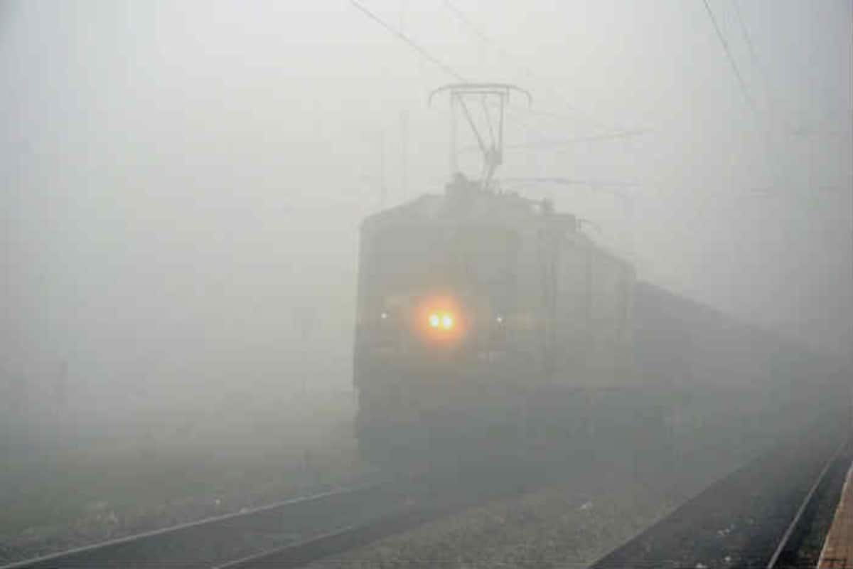 Flights Cancelled, Delhi-bound Trains Delayed as Thick Fog Envelopes  National Capital