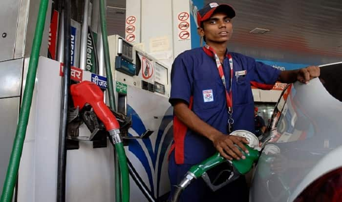 Centre Cuts Petrol, Diesel Prices by Rs 2.50; 13 States Bring Fuel Prices Down by Rs 5