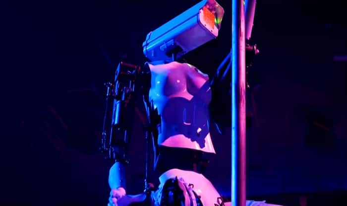 Robot Strippers To Perform at New York City Club; Were Created by British Artist Giles Walker to Comment on Power and Voyeurism