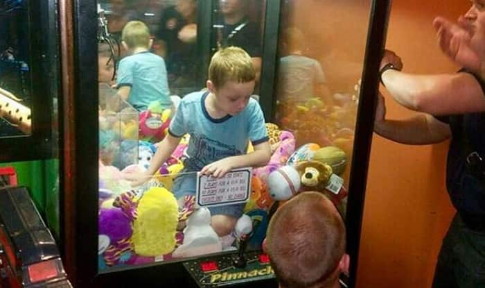 Boy Gets Stuck Inside an Arcade Machine When he Climbed to Get Favourite Stuffed Toy, Rescue Video and Pictures Go Viral
