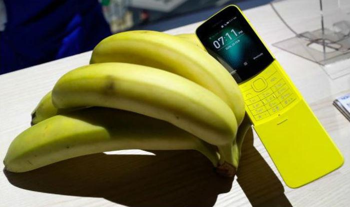 Nokia Brings Back Famous 8100 'Banana' Phone at Mobile World