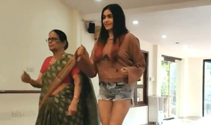 Adah Sharma's Dance With Grandma on 'Bom Diggy Diggy' Song is Too Cute to Miss, Watch The Video