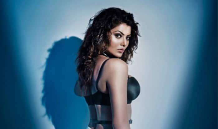 Urvashi Rautela's Sexy Abs Are Breaking The Internet (Pics)