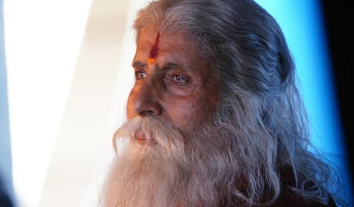 Amitabh Bachchan Shares His Look From Chiranjeevi's Sye Raa Narsimha Reddy – View Pics