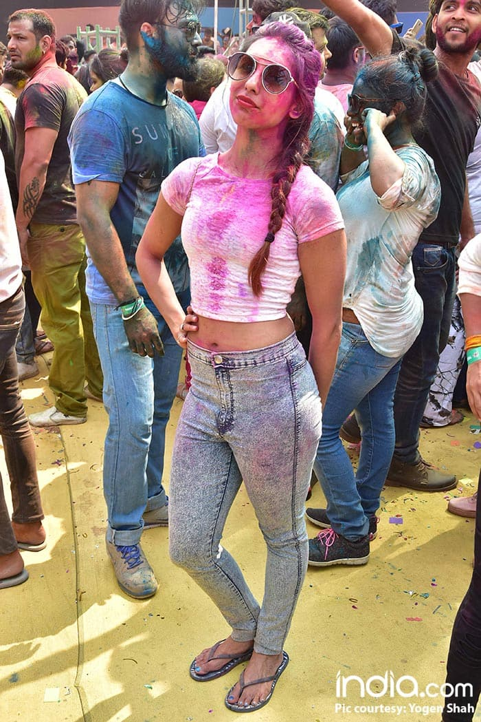 ekta-kapoor,ken-gosh,Shabir-Ahluwalia,Kanchi-Kauletc--at-holi-invasion's-holi-party-at-celebration-club-on-02-03-2018.-PICS-YOGEN-SHAH.--(7)
