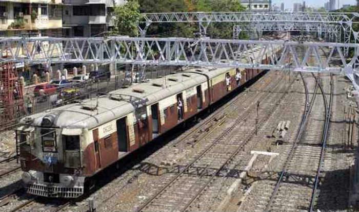 Mumbai Heat Wave: Railway Track Between Badlapur And Ambernath Stations Bends Due to Rising Temperature