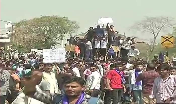 Bharat Bandh: Dalit Protests Turn Violent, One Killed in Firing in Morena, Vehicles Torched in Rajasthan