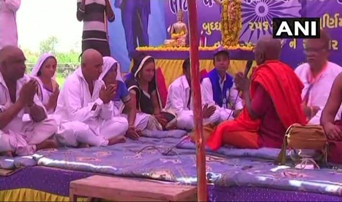 Gujarat: Dalits Convert to Buddhism in Una, Say Not Considered Hindus or Allowed to Enter Temples
