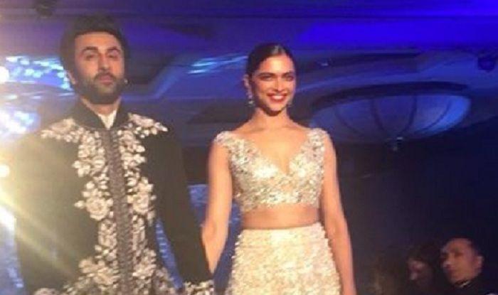 Mijwan 2018 : Former Lovebirds Ranbir Kapoor And Deepika Padukone Walk Hand In Hand For Manish Malhotra – Watch Pics And Videos