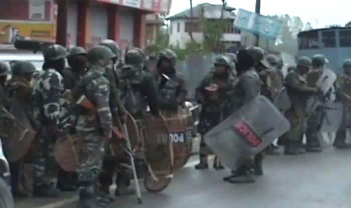 Kulgam Encounter: Jawan Martyred; 2 Civilians Killed, Several Injured as Anti-Operation Protesters Pelt Stones