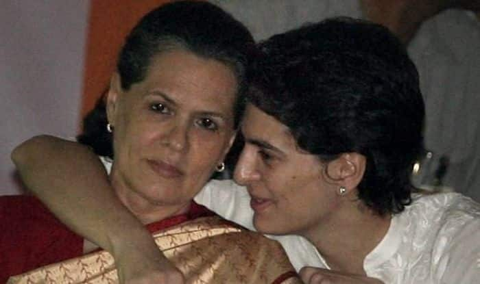 Sonia Gandhi, Priyanka Arrive in Rae Bareli to Strategise For 2022 UP Assembly Elections