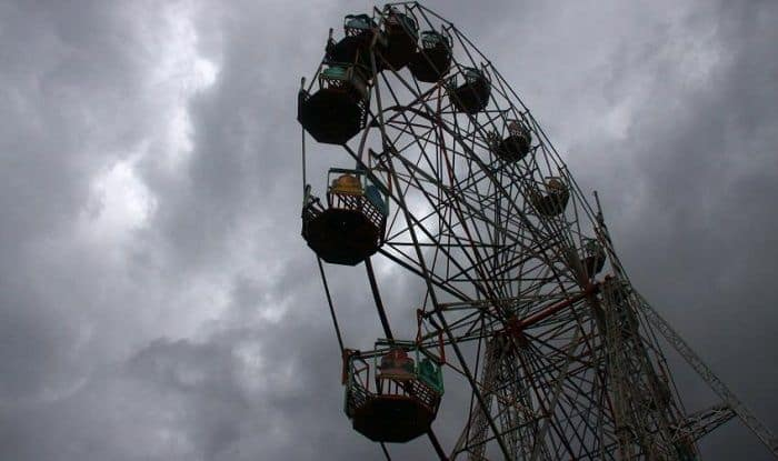 Ferris wheel crashes in Andhra Pradesh