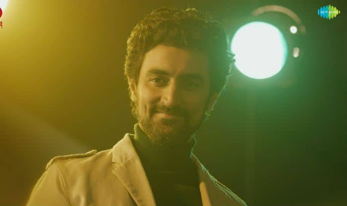 Mohammed Rafi's cult Classic Song from Guru Dutt's Pyaasa Recreated as a Tribute For Kunal Kapoor's Noblemen