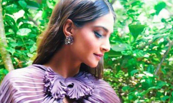 Sanju Trailer: Sonam Kapoor Ahuja Rocks a Sari With a Cape Like a Boss