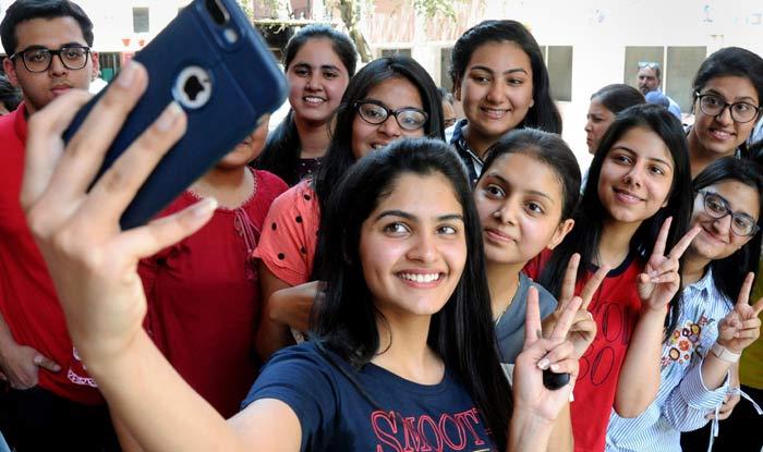 CBSE Results 2019: Hansika Shukla, Karishma Arora Top Class 12 Exam With 499 Marks