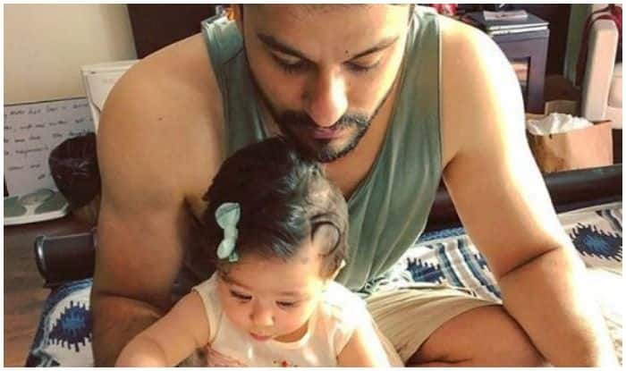 Inaaya Naumi Reading The Newspaper Along With Daddy Kunal Kemmu Is The Cutest Thing You'll See On The Internet Today