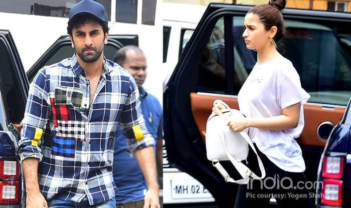 Ranbir Kapoor, Alia Bhatt Make Their Relationship Official With These Latest Pictures