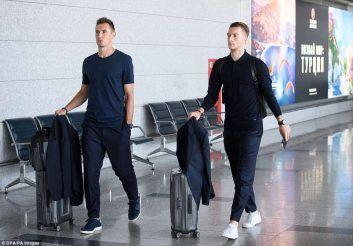Reus arrives.