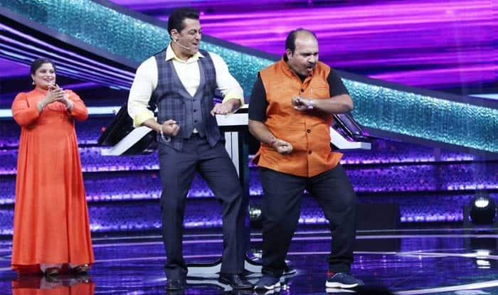 Salman Khan Matches Steps with Dancing Uncle Sanjeev Srivastav on His Show Dus Ka Dum 3; See Pictures