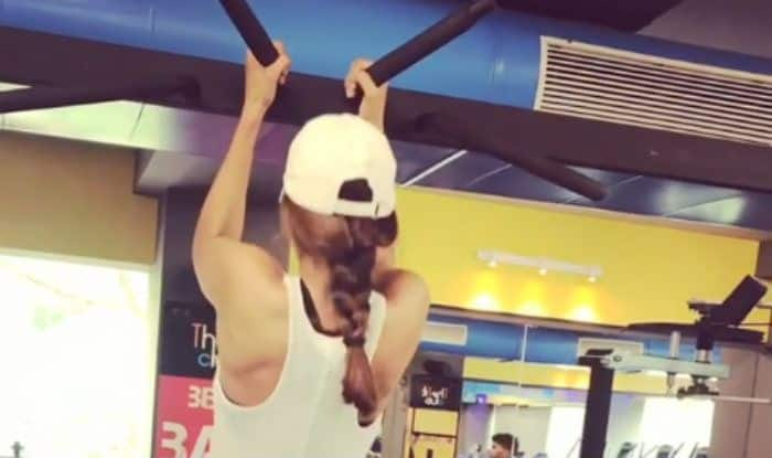 Punjabi Hotness Sonam Bajwa's Pull-up Workout Video Will Help You Get a Sexy, Toned Upper Body