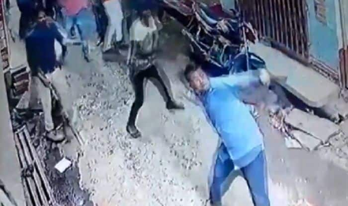 Stone pelting in Jaunpur